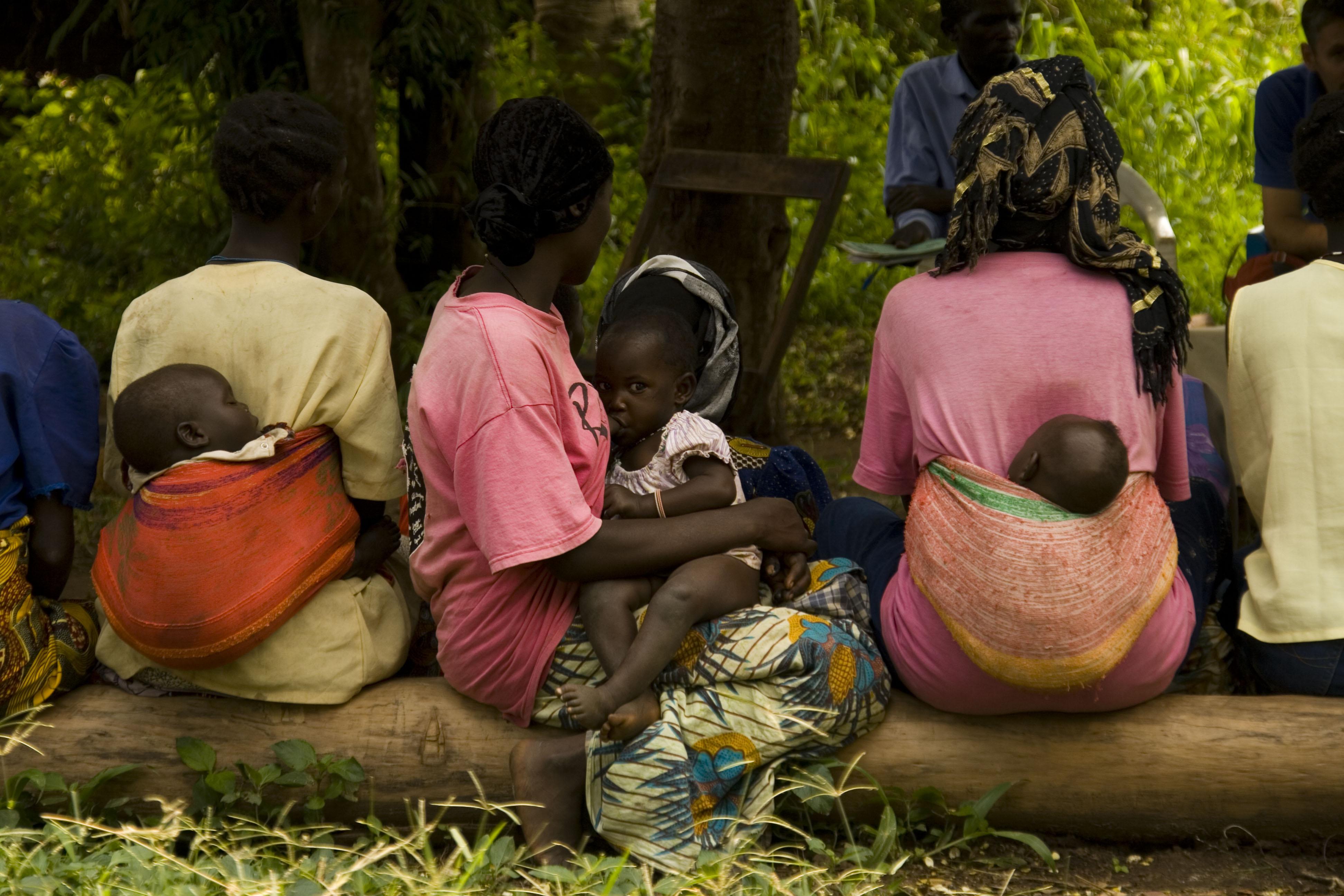 2009-Uganda-Gianna-010