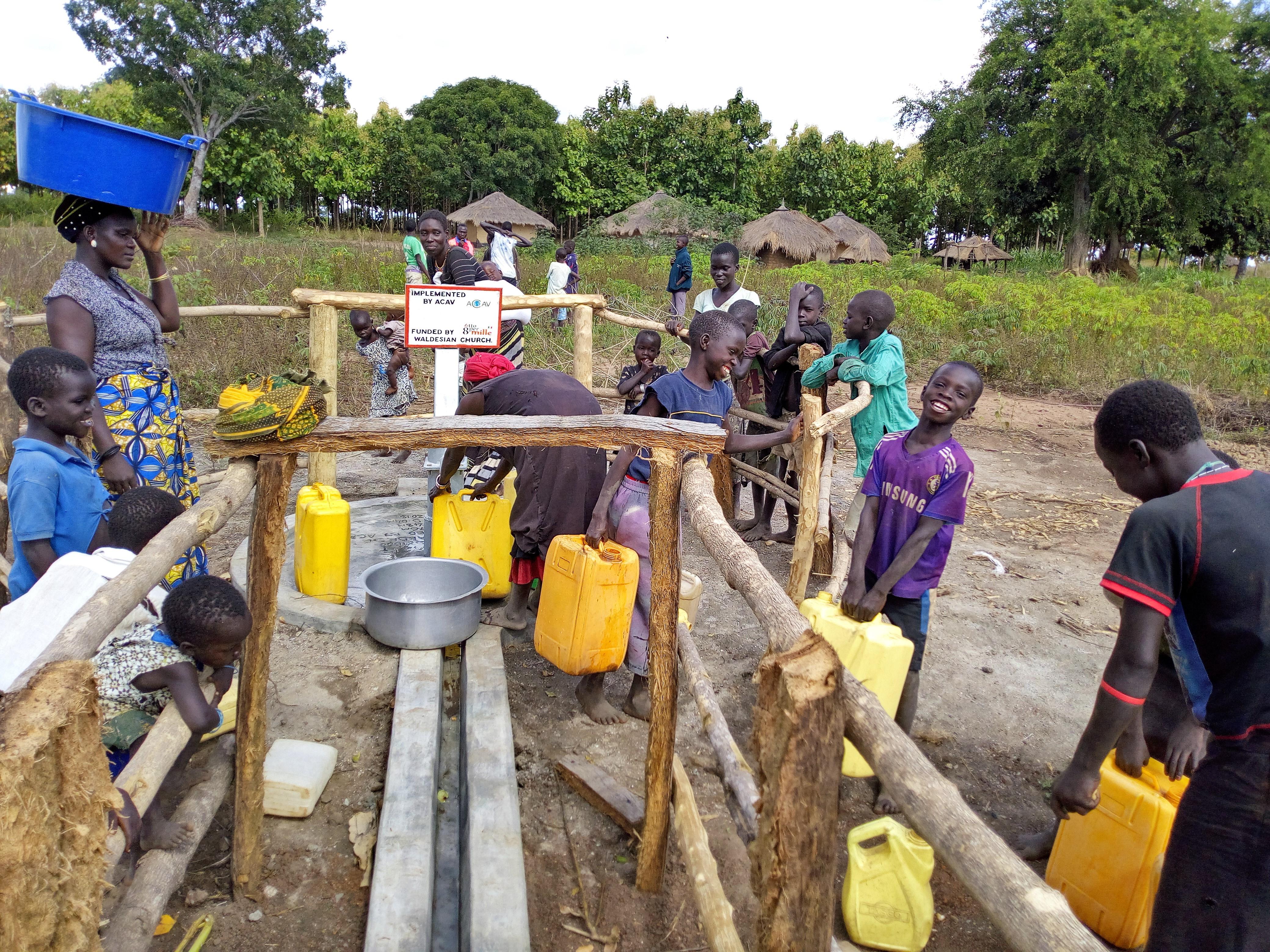 Acqua per rifugiati e comunità ospitanti nel West-Nile ugandese
