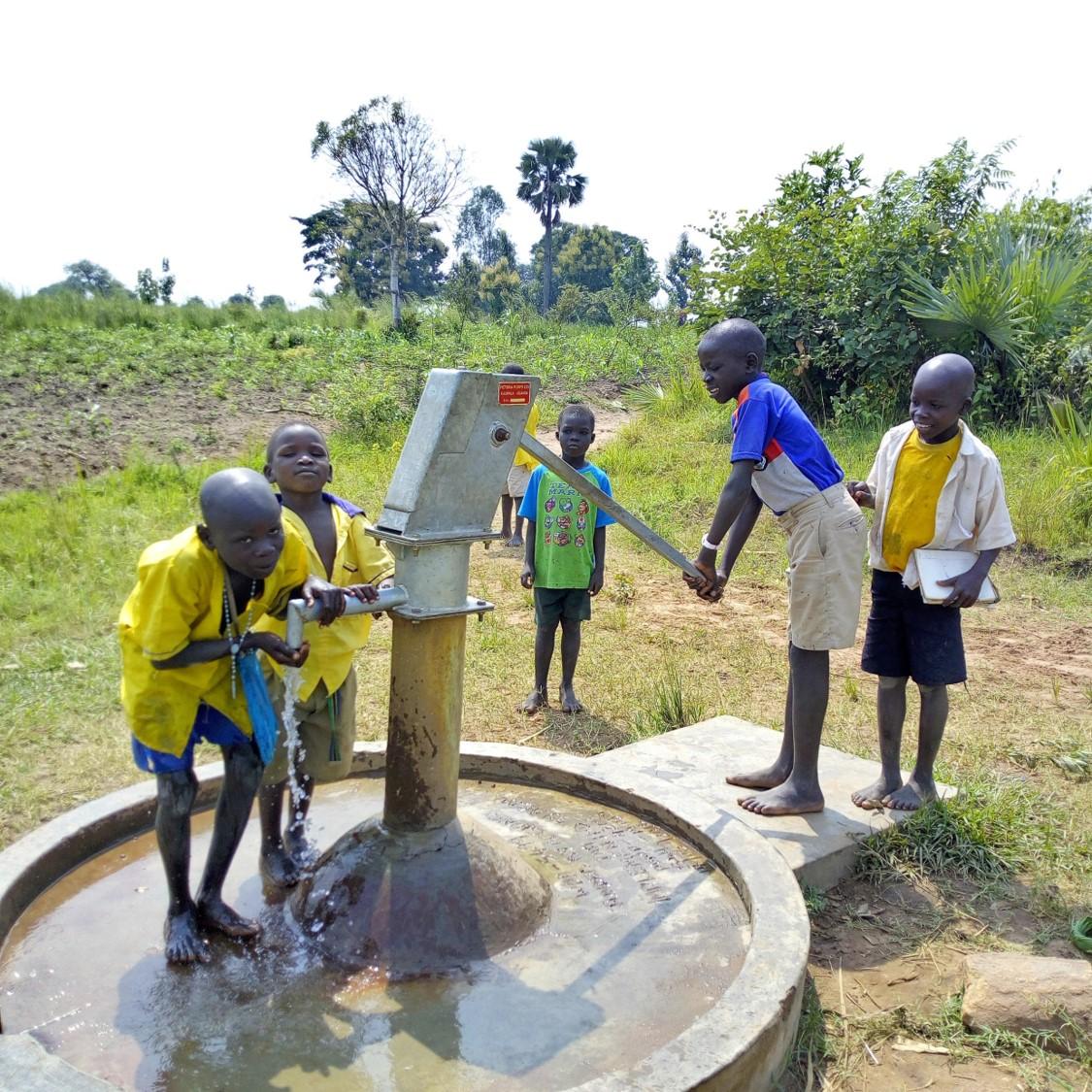 WATER IS LIFE, WATER FOR PEACE: RIABILITAZIONE DI 15 POZZI NEI DISTRETTI DI MARACHA E KOBOKO IN UGANDA